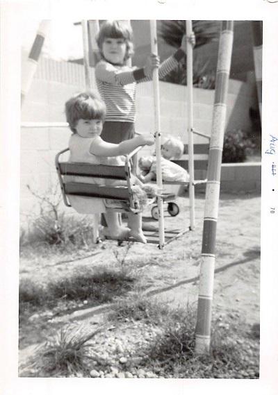 1970_08 Swinging