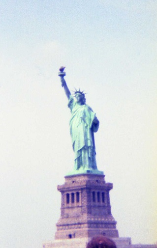 1983_04-statue-of-liberty