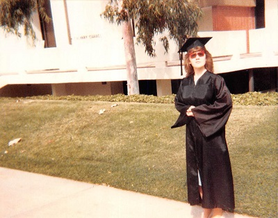 1985_06-graduation-mickey-mouse-glasses