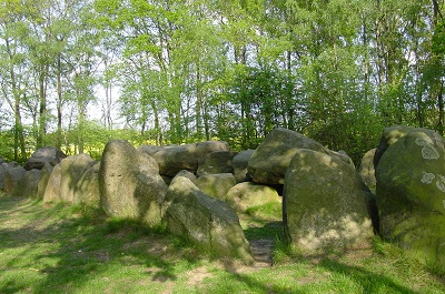 2004_05_16 55 King's Grave