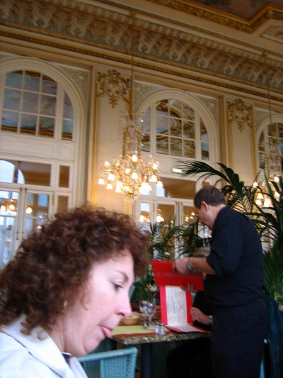2005_11_09 5 tea room